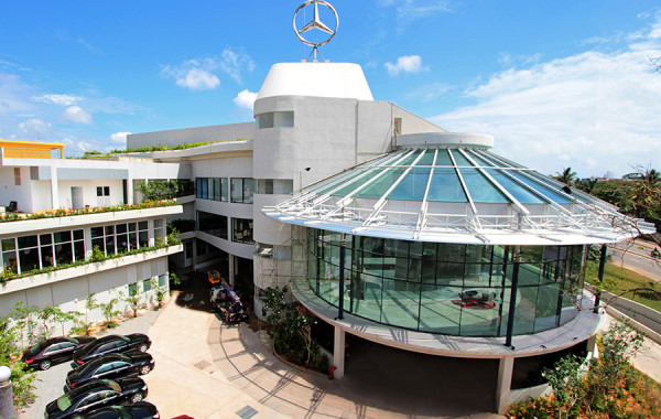DIMO 800: Mercedes-Benz Centre of Excellence, CMB