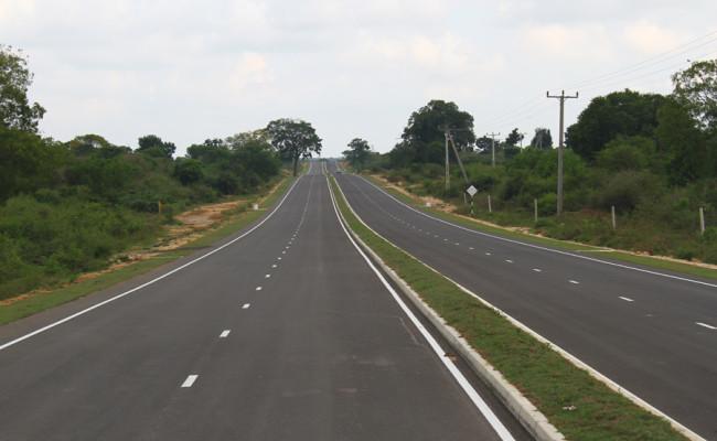 34-Hambantota–Gonnoruwa–Meegahajandura-Road-04