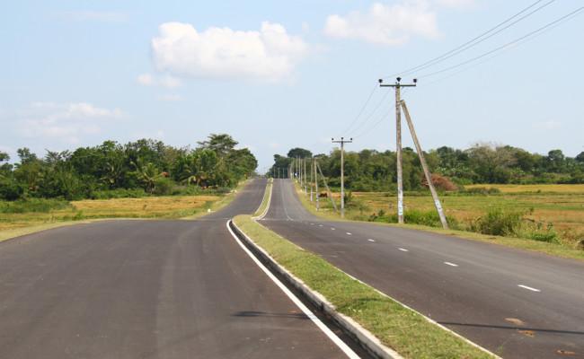 34-Hambantota–Gonnoruwa–Meegahajandura-Road-13