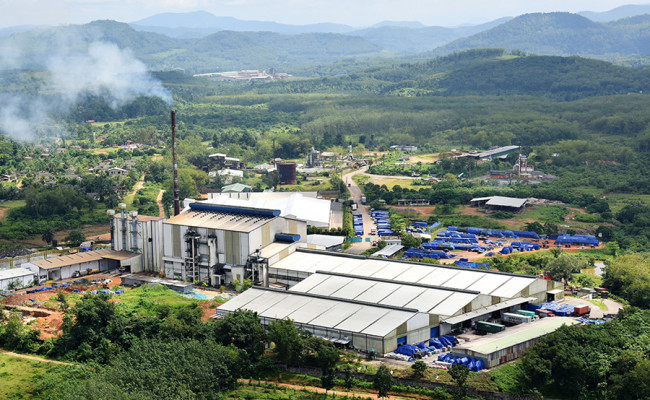 116-Ceylon-Glass-Factory-04